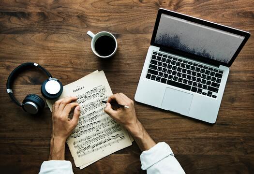 أفضل المواقع لتحميل النوتات الموسيقية