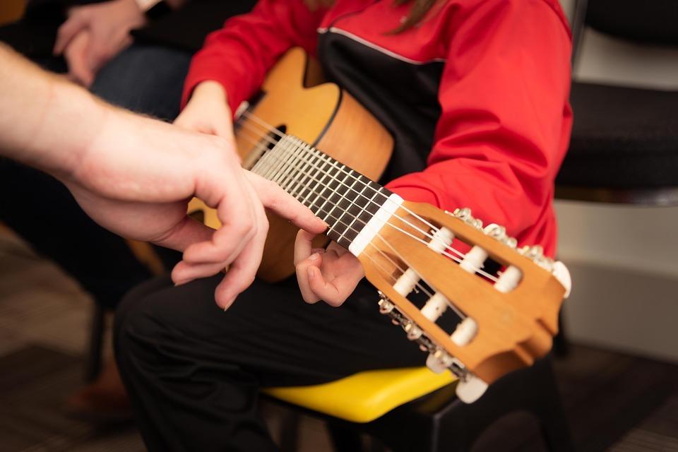 لا يوجد أبداً وقت متأخر للتعلم .. خمس نصائحللعازفين المبتدئين من البالغين