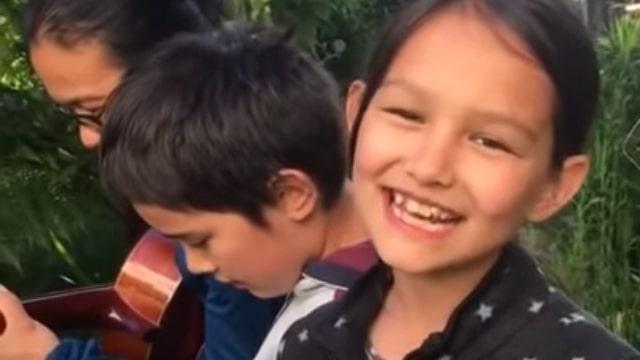 الطفلان الموسيقيان اسحاق ونورا